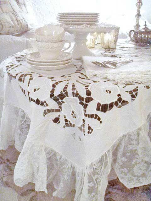 French inspired table linens www.MadamPaloozaEmporium.com www.facebook.com/MadamPalooza