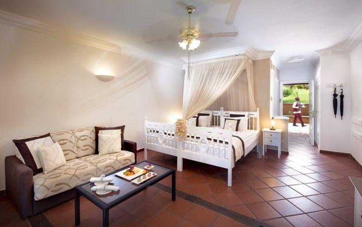 The 23 Villa Club rooms at Diamonds La Gemma dell'est are