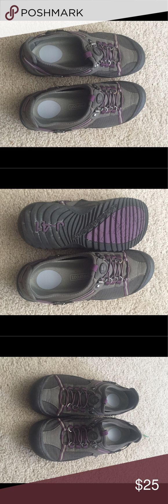 J-41 Jeep shoes Great condition- gently worn J-41 Jeep Shoes Athletic Shoes