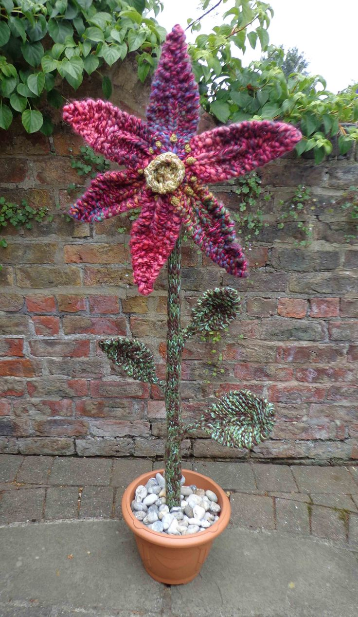 1.5m knitted pot plant