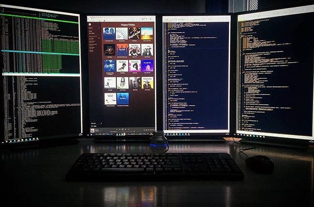 My ideal workplace is 2 screens  Love when I am able to see my code from different perspectives. I am able to manipulate and check errors in real time. How do you like to have your work space?  Picture Credit: @ebalash_.......#developer #frontenddeveloper #webdeveloper #webdevelopment #codingisfun #worldcode #programmerrepublic #code #programming #website #frontend #codinglife #educateyourself #educateyourselfclub #javascript #js #webapp #websitedesign #webdesign #codebeach #codeismylife…