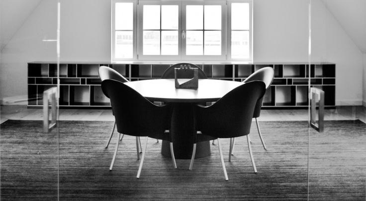 Meer dan 1000 idee n over minimalistisch kantoor op pinterest bureauruimte bureau 39 s en - Kantoor decoratie ideeen ...