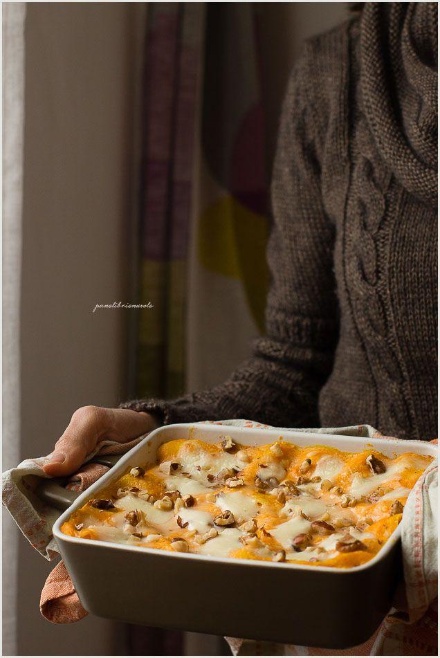 Lasagne con zucca nocciole e mozzarella fiordilatte