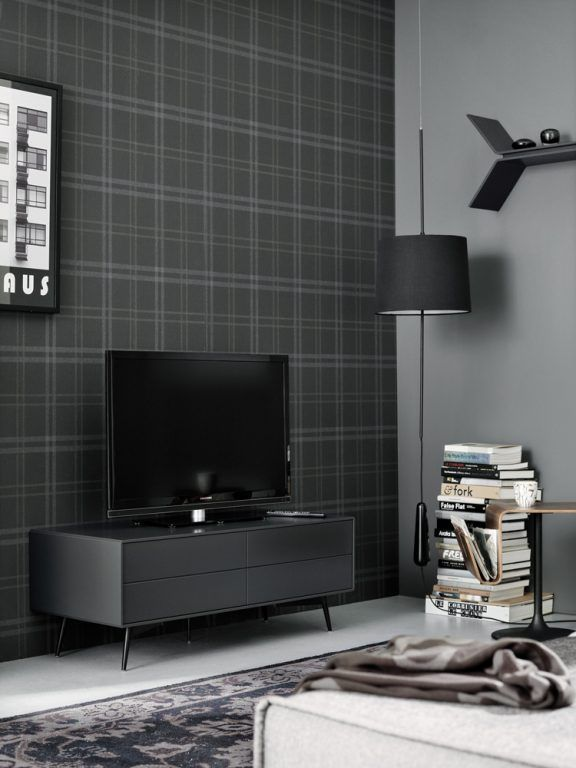 ausgefallene dunkle tapete schwarzes sideboard wohnzimmereinrichtung livingroom home. Black Bedroom Furniture Sets. Home Design Ideas