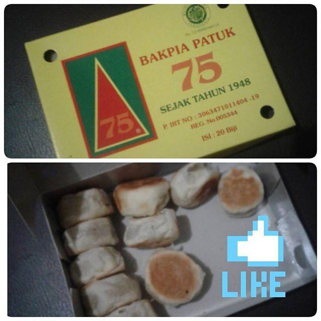Thanks my Mam oleh-olehnya 😄 Ini mah lsg ludessssss.. #foodporn #bakpia #baikpiapatuk #bakpiapatuk75 #jogja #kuliner #nusantara #oleholeh #nomnom #delicious #おいしい