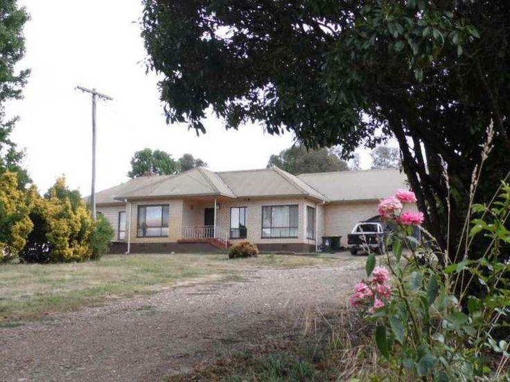5 bedroom brick home Tumbarumba, 3.4 acres.