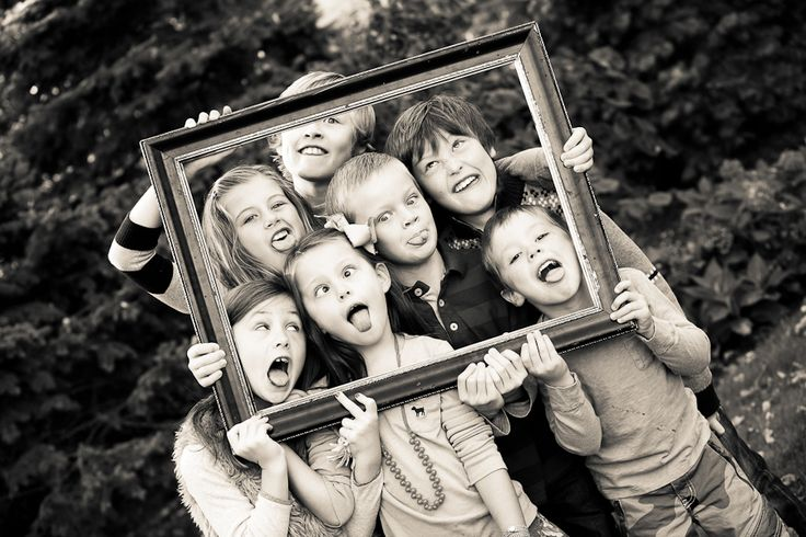 kids photo idea Would be cute with all the cousins...year after year