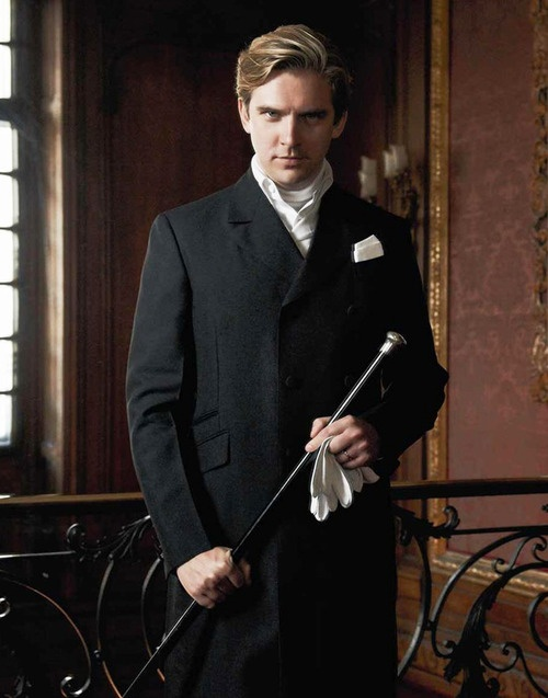Matthew Crawley (Dan Stevens) - Heir presumptive (third cousin once removed) of Lord Grantham; former lawyer, latterly co-owner of the estate; Late husband of Lady Mary || Downton Abbey