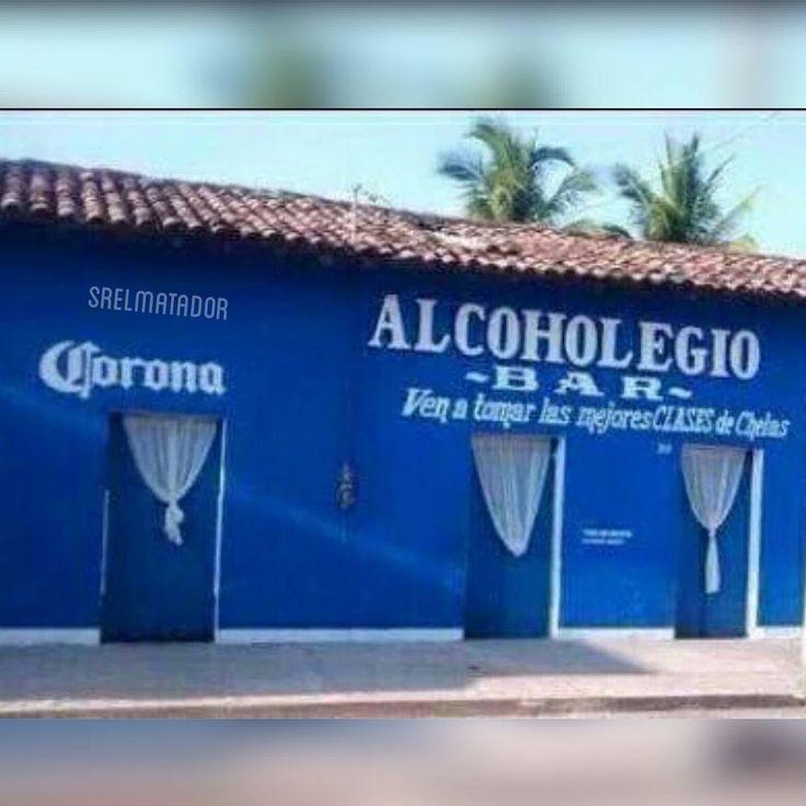 Hoy vamos a tomar clases damos y caballeros.    #SábadosDeDespecho #Cerveza #colegio #clases #Corona #beer #escuela #saturdaynight #nightout