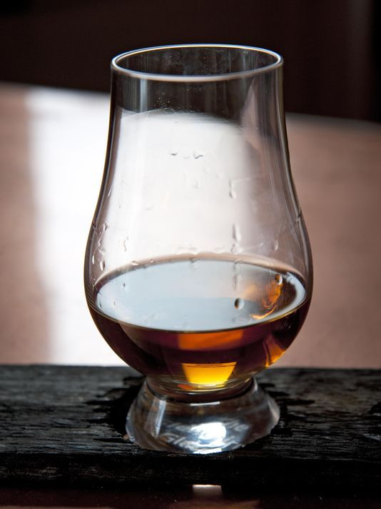 """Bourbon Review: Four local bars among nation's best. Photo: The Bourbon Review has named four local bars as being among the """"Top Bourbon Bars in America."""" Enquirer file photo"""