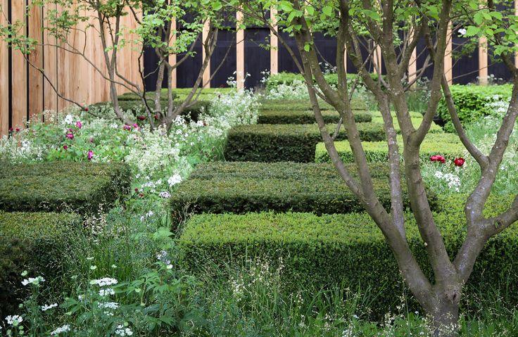 Deze tuin is een moderne compositie, geïnspireerd door het engelse landschap, japanse siertuinen en moderne abstracte kunst.De tuin representeert Engeland als een bebost landschap waarin de open plekken ruimte geven aan dorpen en cultivering. De toegepaste beplanting zijn inheemse soorten in Groot- Britannie.
