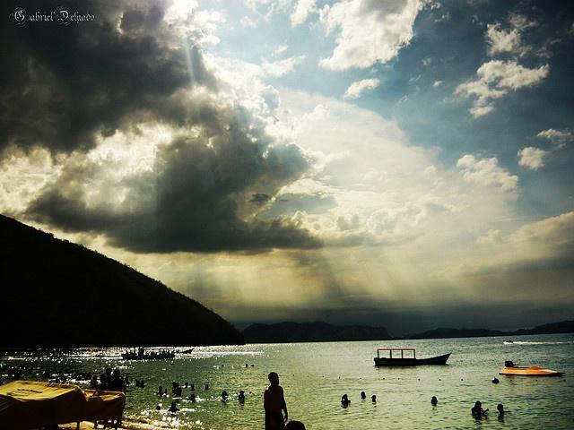 Photo of the Moment: Holy Light, Venezuela  http://www.vagabondish.com/photo-holy-light-beach-venezuela/?utm_source=feedburner&utm_medium=email&utm_campaign=Feed%3A+Vagabondish+%28Vagabondish%29