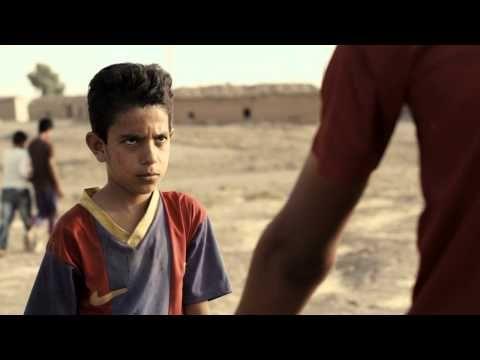 """""""Baghdad Messi"""" de kortfilm van oud-student Sahim Omar Kalifa, rijgt de prijzen aan elkaar en is nu uit op DVD. Volgens Focus Knack een film ontroerende, memorabele eenvoud."""