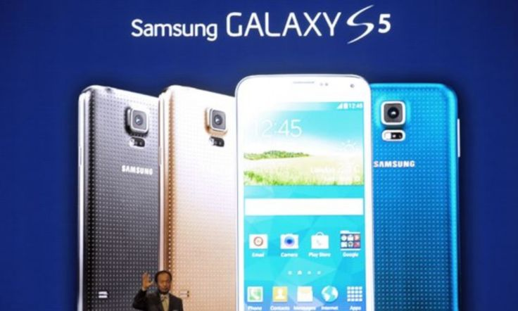Samsung admits its flagship Galaxy S5 phone's cameras are 'dying' http://dailym.ai/1mRHDba