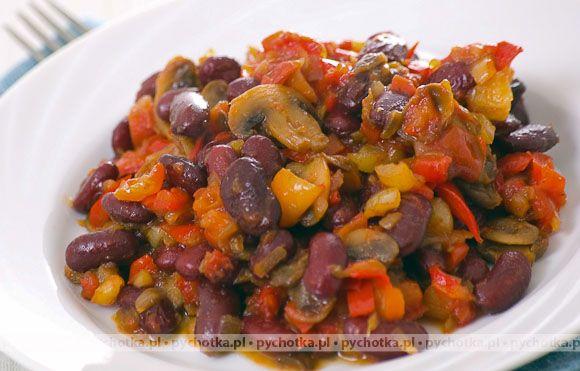 Czerwona fasola z pomidorami i papryką