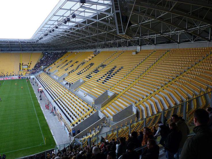 Stadion Dresden, Dresde, Alemania. Capacidad 32.066 espectadores, Equipos locales: Dynamo Dresden y Dresden Monarchs.