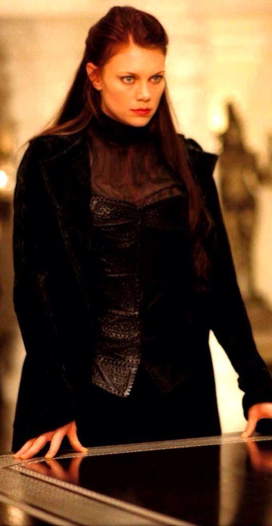 """Peta Wilson as Mina Harker in """"The League Of Extraordinary Gentlemen"""""""
