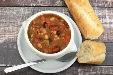 Perfectly Seasoned Vegetarian 15-Bean Soup: Janetta's Vegetarian 15-Bean Soup