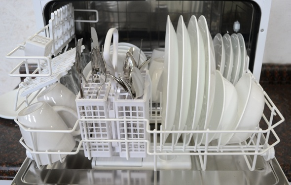for apartment dwellers Sunpentown SD-2201W Countertop Dishwasher ...