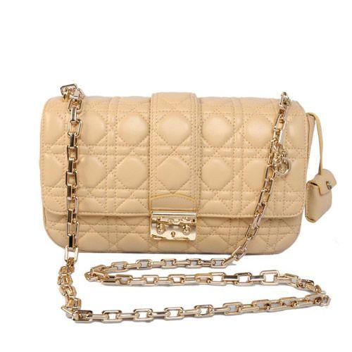 Reconsidering the Miss Christian Dior Flap Bag Erasing Prejudices PM 0208/YIYGNIJU