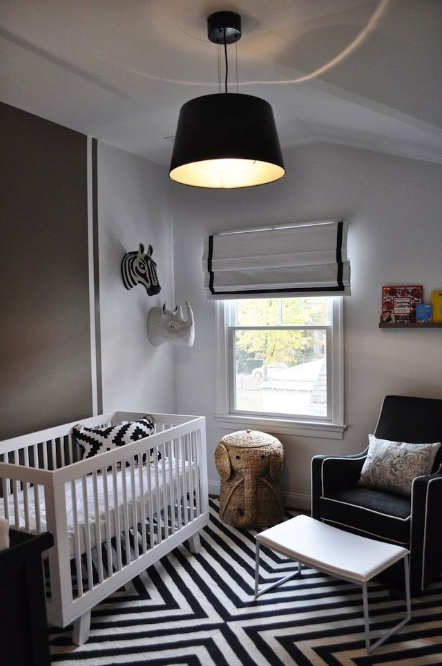 The black and white color scheme in this modern nursery looks amazing when paired with geometric elements. #nurseryBlackandwhite, White Nurseries, Black And White, White Nursery, Black White, Baby Room, Kids, Gender Neutral, Nurseries Ideas