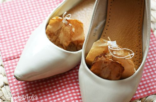 DIY shoe odor absorber