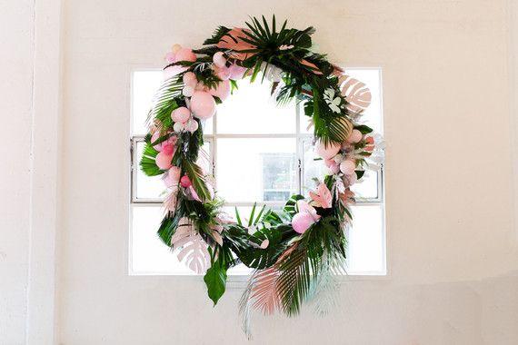 DIY tropical wreath | Wedding & Party Ideas | 100 Layer Cake
