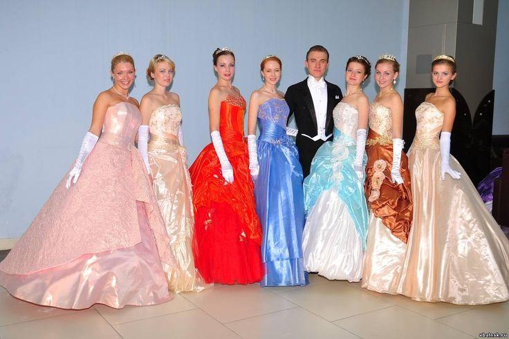самые красивые платья на выпускной бал 2015