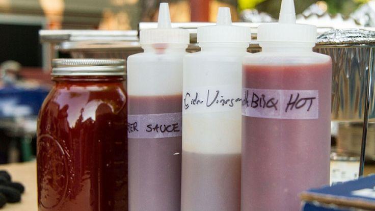 Barattoli di salsa barbecue, le migliori salse americane. Ricetta salsa bbq