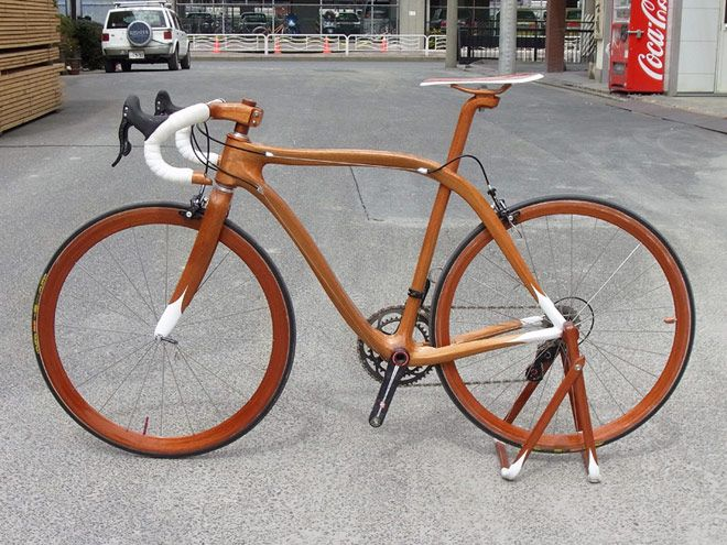 Japanese shipwright produces hand-crafted wooden bikes out of mahogany