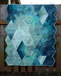 monochromatic quilt   Note: I have GOT to get the hex n more quilt by Jaybird quilts.