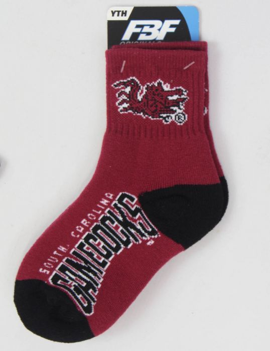 Keep your little one's feet warm and spirited in these University of South Carolina socks!