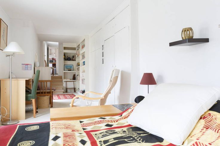 Apartment in Paris, France. With a lovely view of the roofs of Saint-Germain-des-Prés, this flat is perfect for a romantic or a family holiday. Very close to the Louvre, the great central location allows you to go anywhere quickly. Facing a private garden, it is very quiet! ...