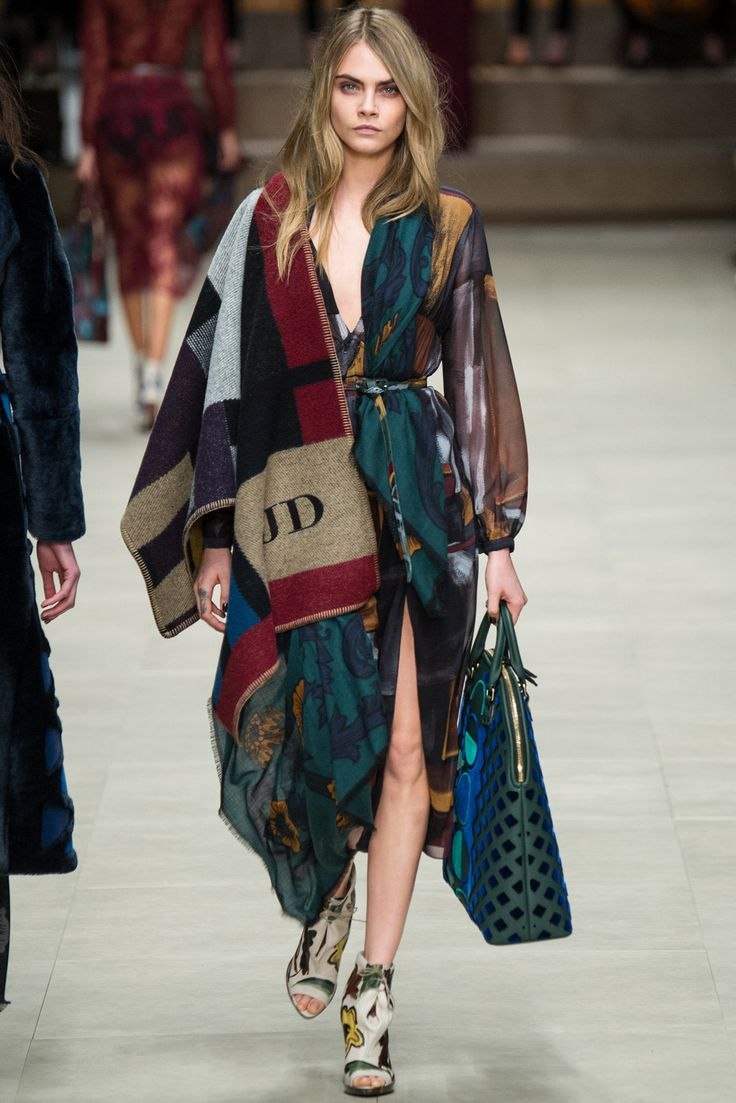 Burberry Fall 2014 Ready-to-Wear Fashion Show - Cara Delevingne