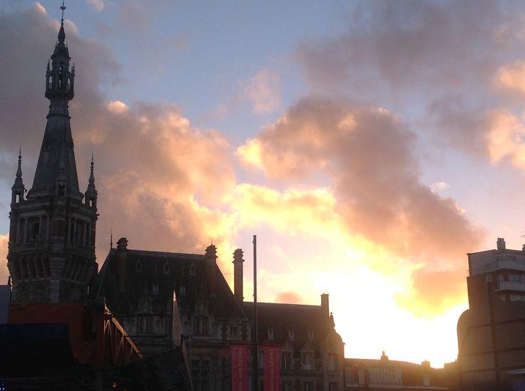 Beffroi. Ciels mouvants et émouvants à Tourcoing.