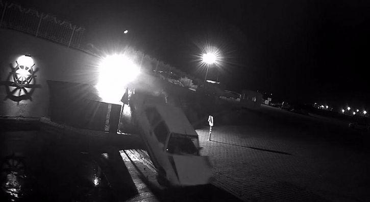 #GÜNDEM Alkollü gencin kullandığı otomobil köprüden böyle uçtu: Muğla'nın Fethiye ilçesinde alkollü olduğu iddia edilen 17 yaşındaki…