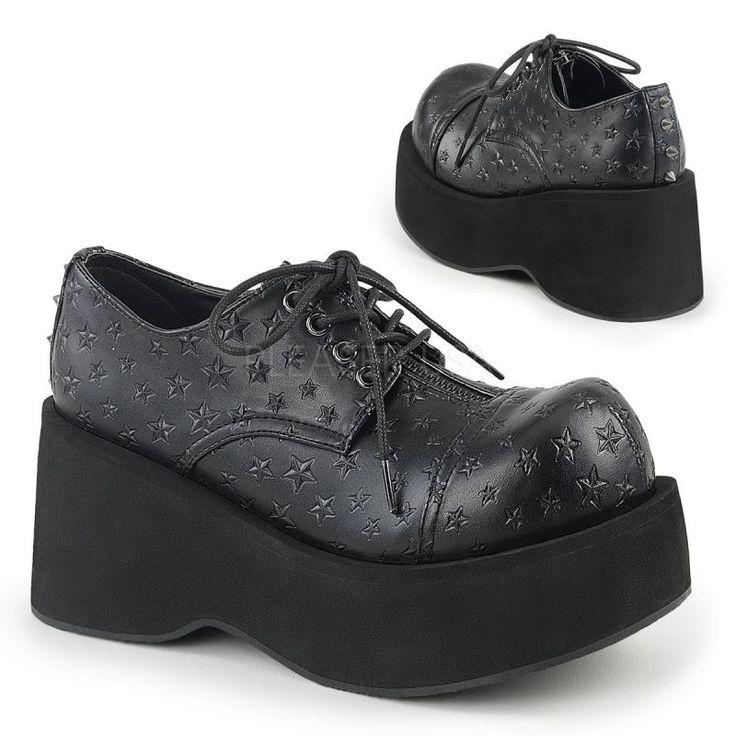 Zapatos góticos punk acordonados con relieve de estrellas y tachuelas