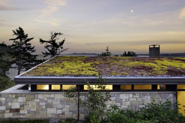 The North Bay Residence on San Juan Islanden Roofs