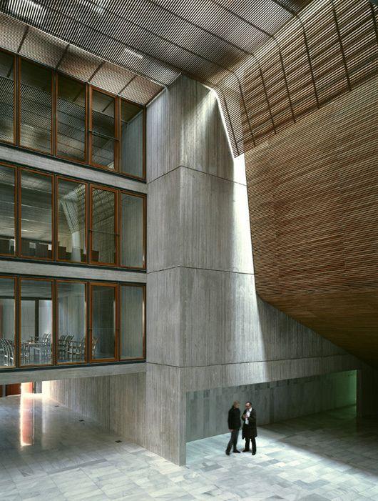 El Musical Cultural Center / Eduardo de Miguel Arbonés   ArchDaily