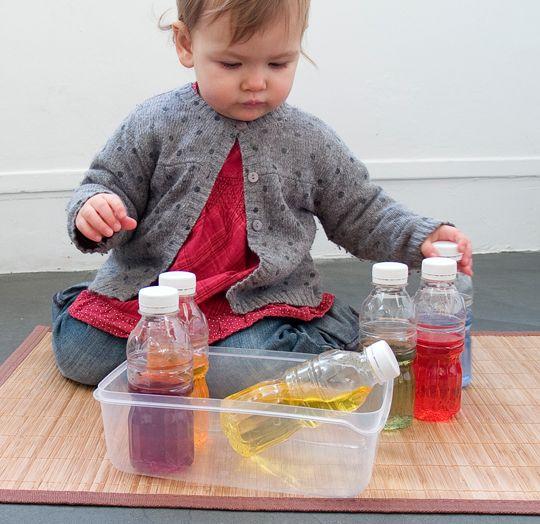 Bouteilles colorées Montessori