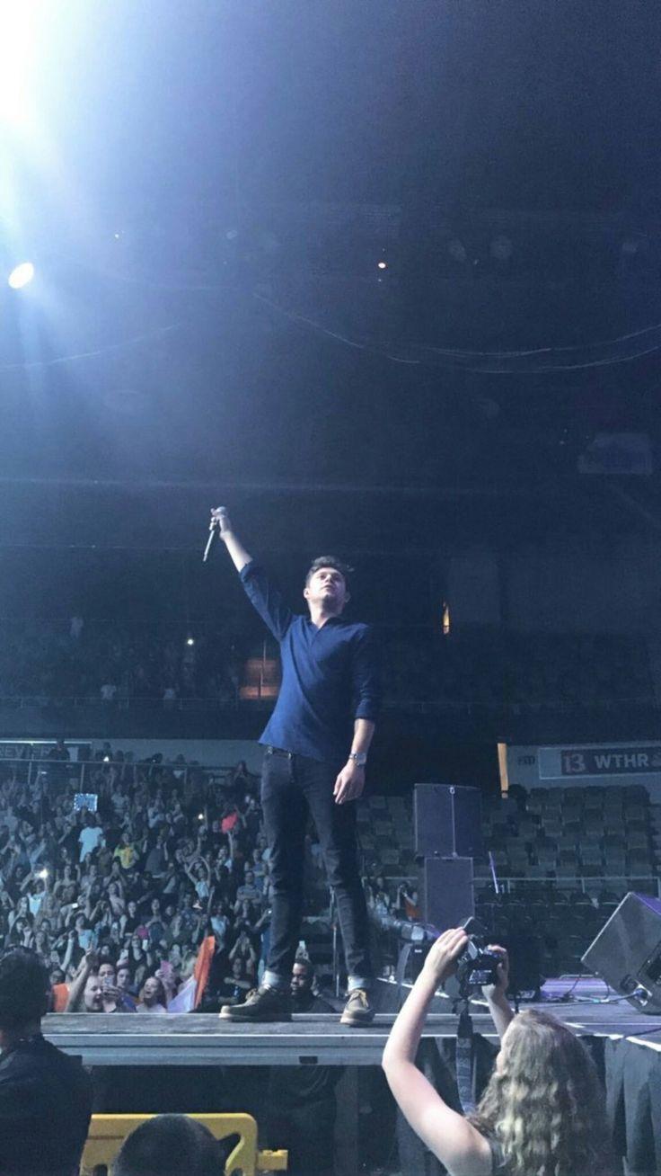 Niall performing at #zplbirthdaybash