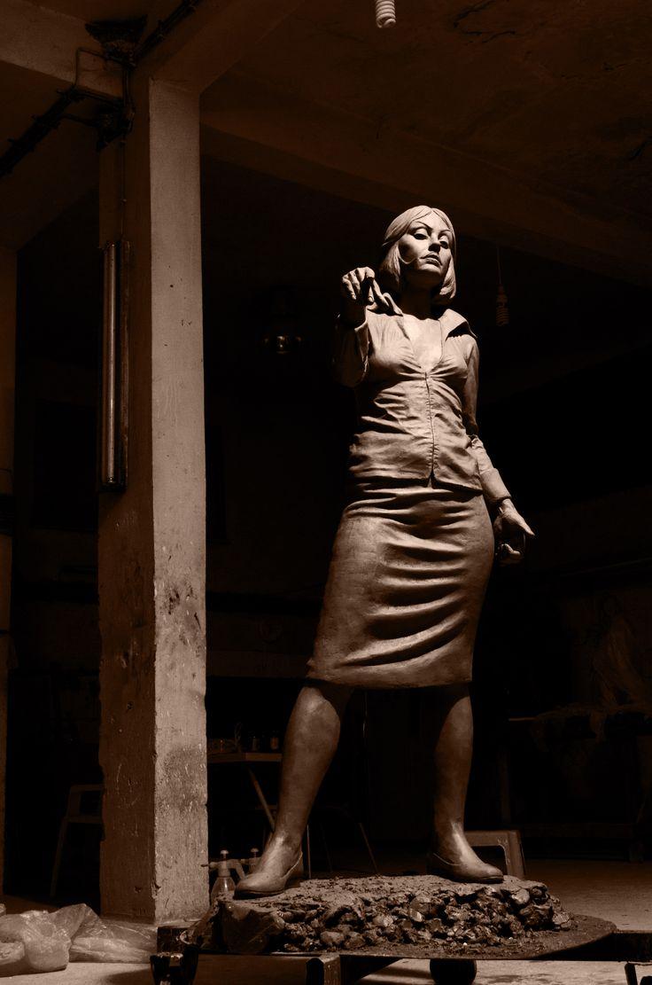 Toprak'tan heykel atölyesi Heykeltıraş Ömer Orcaner