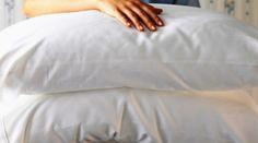 Como lavar e branquear travesseiros amarelados