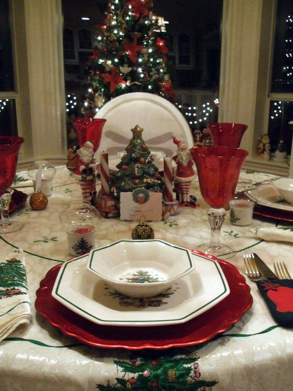 Christmas and Holiday Tablescapes Table Settings.Love my Nikko Christmas dishes! & 351 best Christmas Dishes images on Pinterest | Dish sets Christmas ...