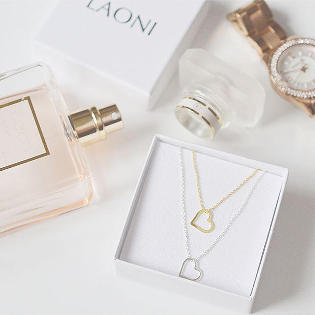Naszyjnik srebrny z sercem. Cena:99zł. Kup na: https://laoni.pl/bizuteria-z-serduszkiem #serce #naszyjnik #srebrny #biżuteriaślubna #celebrytka