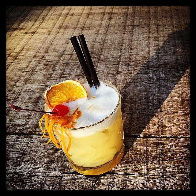 Bitter marmalade sour...#ilsal8 #poggioaisanti #drink #sunset #tramonto #aperitivo #cocktail #sanvincenzo #tuscany