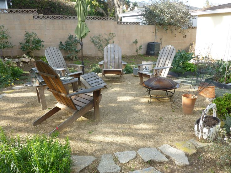 Decomposed granite patio : Botanica Landscape Inc.