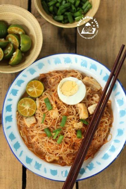 Wet Mee Siam (rice vermicelli in spicy sour gravy) 汤汁米暹