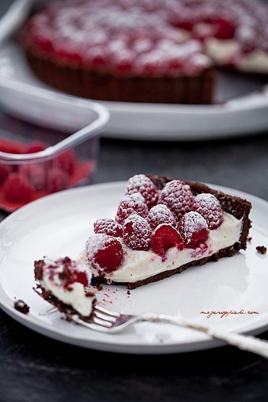 Tarta z malinami z kremem mascarpone+mleko skondensowane | mojewypieki.com