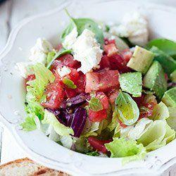 Sałatki z awokado i pomidorem | Blog | Kwestia Smaku